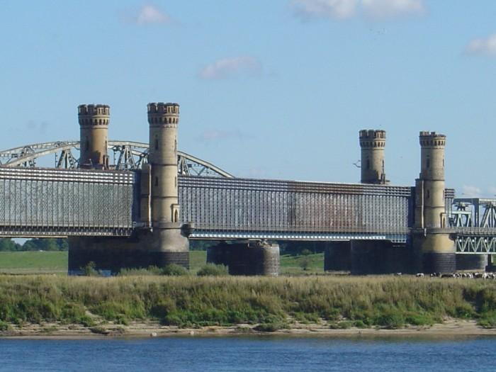 Most Tczewski – most drogowo-kolejowy w Tczewie na Wiśle