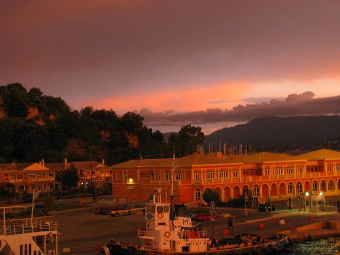 Korfu Wschód słońca po burzy